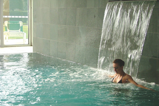 Swimming Pool Waterfall Spa - Spa Finder